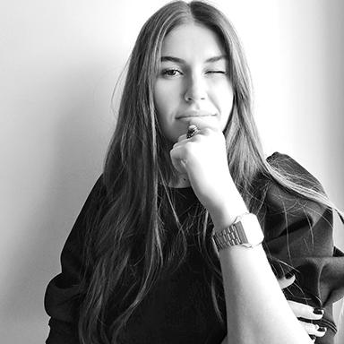 Claudia González - Directora de arte